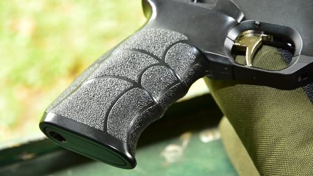 The simple looking grips give superb support on aim