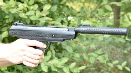 This is a big gun that feels stable on aim
