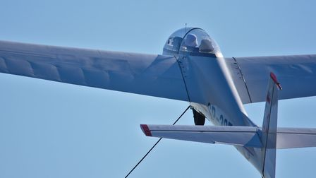 Glider Taking Off with a Winch (c) Pawel Sedrowski, Flickr (CC BY 2.0)