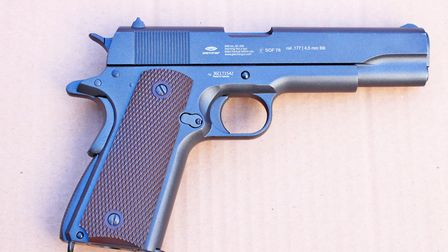 Side views of the CLT 1911.