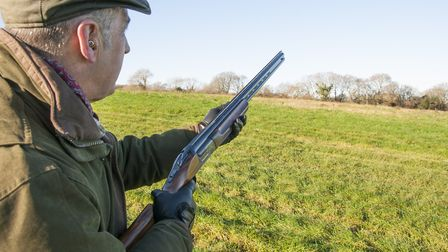 The Shoot SP helps to correct eye dominance issues without obstructing your field of view, making it