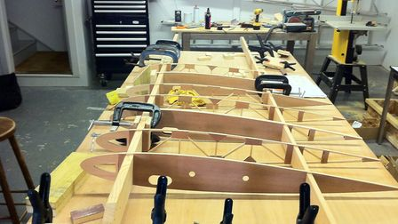 Bottom wing assembly