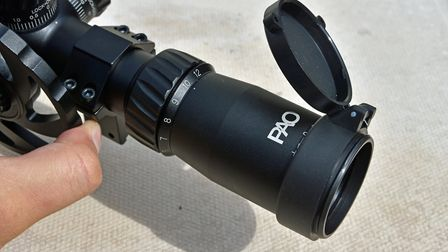 The zoom ring and fast-focus eyepiece are smooth too