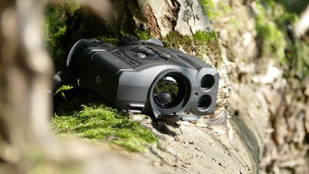 The Accolade complete with built-in laser rangefinder