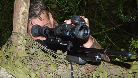 Dave seroes the FX Dreamline Bullpup/ Yukon Photon combo in readiness for the hunt.