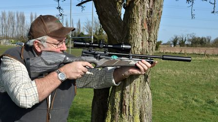 INSET 5163 BELOW THIS PIC Balance, style and head-shaking accuracy in a sporting package ...