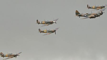 Battle of Britain formation. 2015 Flying Legends (c) Alan Wilson, Flickr (CC BY 2.0)