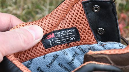 400gr of insulation combines with 2.0mm full grain leather/cordura outer with a Sympatex liner for i