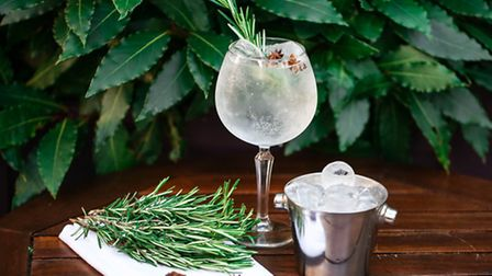 Aromatic Masons with fresh rosemary and exotic star anise