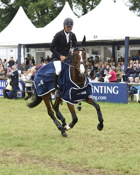 Andrew Nicholson riding JET SET IV in the CCI *** last year Photo Kit Houghton