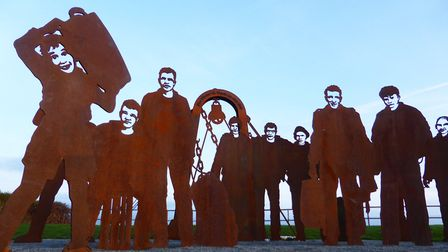 Memorial to Lost Trawlermen by Peter Naylor
