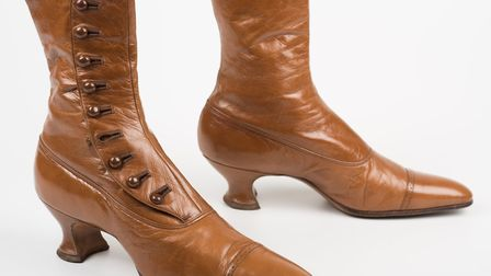 François Pinet tan leather ankle boots with button side fastenings from around 1900-10, specially ch