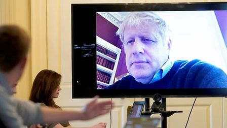 Boris Johnson uses Zoom after his first diagnosis of Covid-19