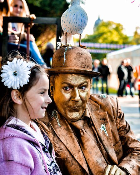 The GOLD man makes an appearance at, picnic in the park, Hull Queens Gardens.