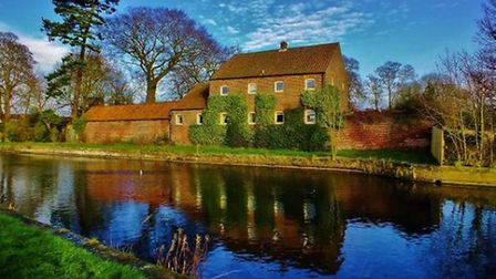 Driffield Canal by Jonathan Parkes