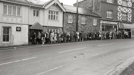 Queue for jobs outside the Woodstock Diner, Ecclesall Road South, Sheffield now the Prince of Wales.