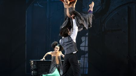 Sarah Chun, Rachael Gillespie and Lorenzo Trossello in Dracula - photo Emma Kauldhar