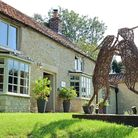 Boxing hares outside of the in were made by acclaimed scultor Emma Stothard