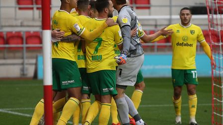 City's squad celebrate the last-minute winner. Picture: Paul Chesterton/Focus Images Ltd