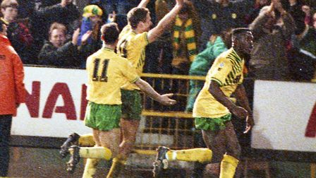 Chris Sutton's header sealed an FA Cup quarter-final extra-time replay win over Southampton in 1992.