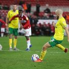 Teemu Pukki kept his cool to score from the penalty spot in Norwich City's 1-0 Championship win at M