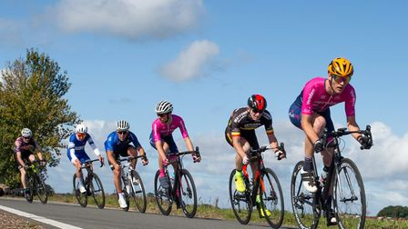 Issy Zimmerman leads Luke Houghton in the Bovingdon Bomber cycle series. Picture: JUDITH PARRY PHOTOGRAPHY