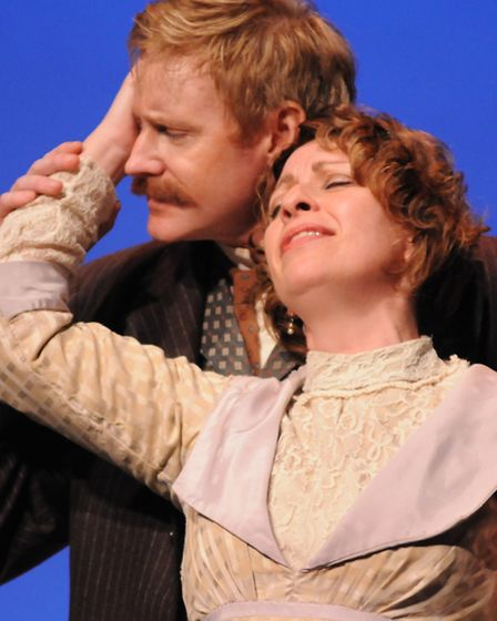 Bart Shatto as Lawrence and Lindsay Hamilton as Frieda von Richtofen