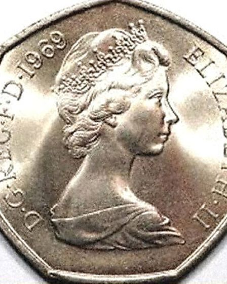 The right-facing Queen's head relief modelled by Arnold Machin for the introduction of Decimal Coinage in 1968