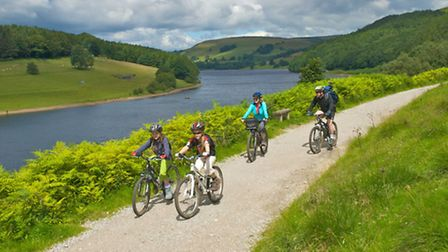 Cycling for all the family in the Derwent Valley, Peak District. Photo: www.visitpeakdistrict.com