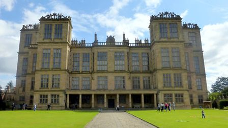 Hardwick Hall –- ''more glass than wall''