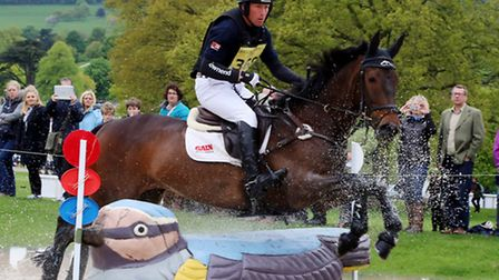 Oliver Townend gets a clear round in the cross country
