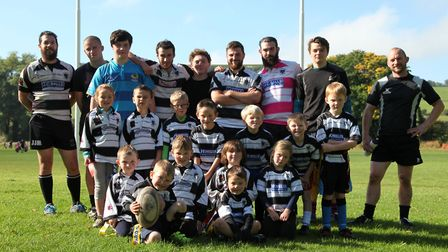 The Minis get great support from the senior players and coaches Photo: Helen Bower, Belper Rugby Club
