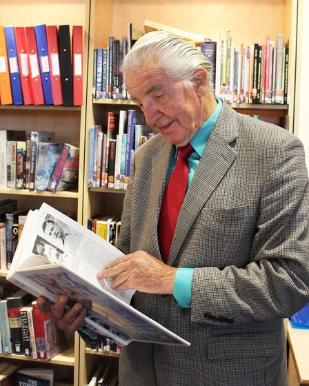 Dennis Skinner at South Normanton library