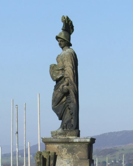 The rooftop statue of Minerva 'before'