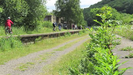Approach to Millers Dale station
