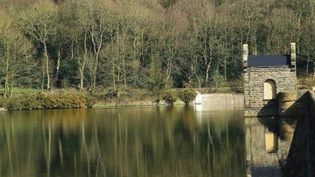 Middle Linacre Reservoir by Sally Mosley