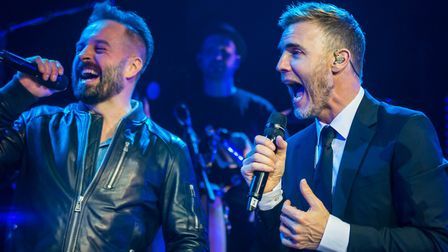 Alfie Boe and Gary Barlow perform a duet