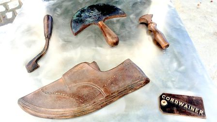 Tools used by a cordwainer