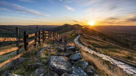 DER 50 Sunrise above Lose Hill and Back Tor from Mam Tor, Hope Valley, Derbyshire