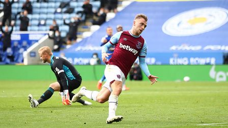 West Ham United's Jarrod Bowen celebrates scoring his side's third goal of the game during the Premi