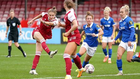 Arsenal's Vivianne Miedema (left) scores her side's fifth goal of the game during the FA Women's Sup