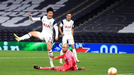 Tottenham Hotspur's Son Heung-min scores his side's third goal of the game during the UEFA Europa Le