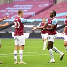 West Ham United's Michail Antonio (second right) celebrates scoring his side's first goal of the gam
