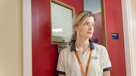Frontline staff at Whittington Hospital. Lizzie Marlow- physiotherapist. Picture: Slater King