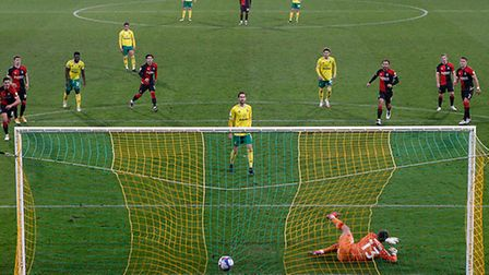 Mario Vrancic of Norwich scores his sides 1st goal from the penalty spot during the Sky Bet Champion