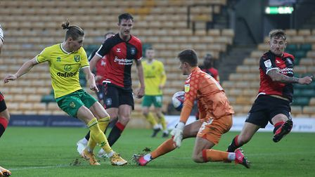 Ben Wilson of Coventry City denies Przemyslaw Placheta of Norwich City in Championship draw