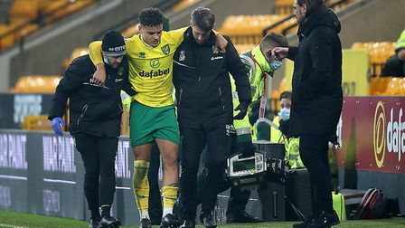 Norwich Head Coach Daniel Farke looks concerned as Max Aarons of Norwich leaves the match though inj