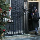 The prime ministers special adviser was goaded by journalists and Downing Street photographers as h