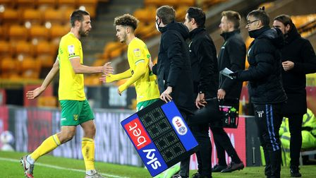 Marco Stiepermann of Norwich is replaced by Josh Martin of Norwich during the Sky Bet Championship m