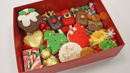 Heaven is a Cupcake's merry and bright box